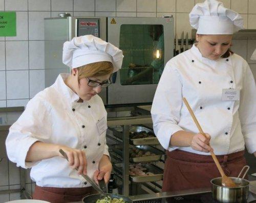 Kuchař-číšník dálkové studium